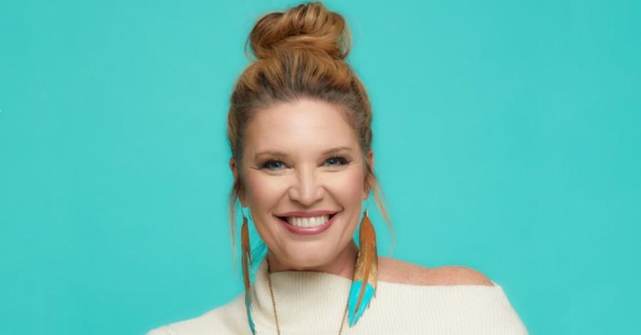 Jen Hatmaker, Hatmaker announces divorce