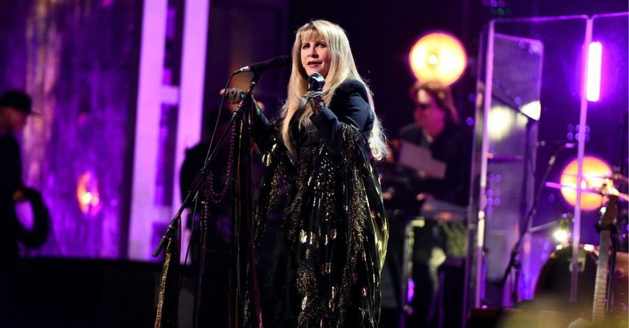 Stevie Nicks, Nicks says having an abortion allowed her to have success