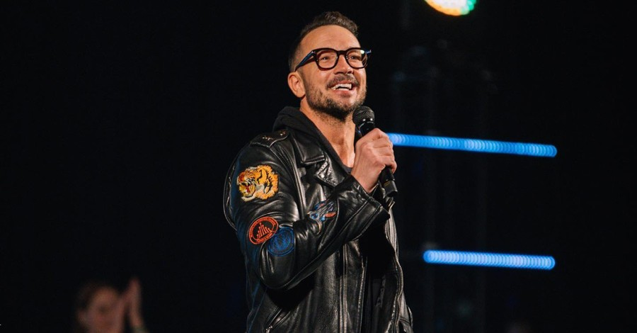 Carl Lentz, Lentz is fired from his Hillsong Church leadership position