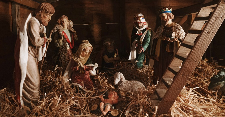 Christmas nativity manger scene figurines