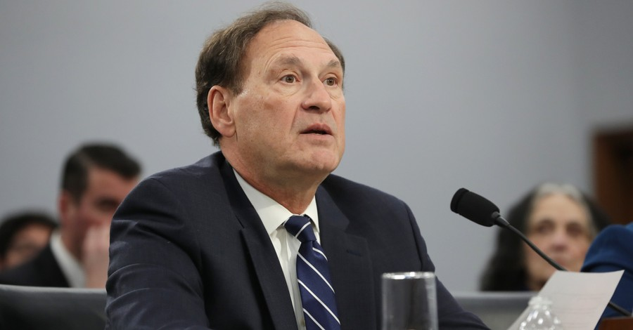 Samuel Alito, Alito warns that religious liberty and free speech are in danger of becoming a second class right