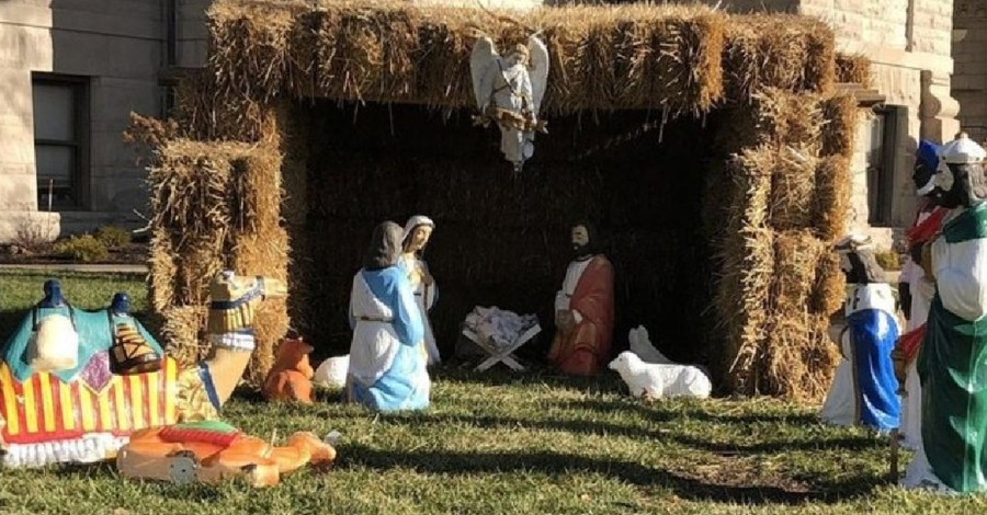 a nativity scene, court rejects ACLU's request and lets a nativity at an Indiana courthouse stay