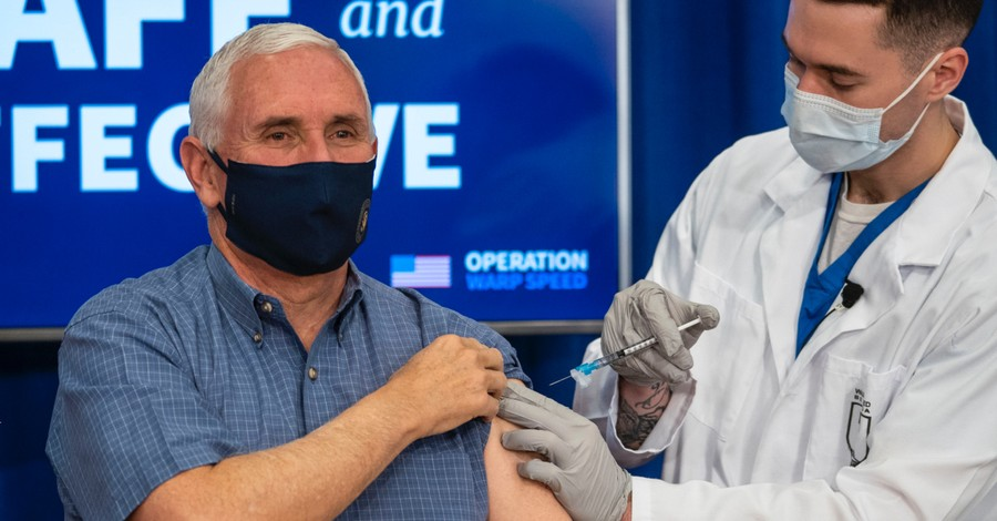 Mike Pence receiving COVID-19 vaccine, Pence gets COVID-19 vaccine on national TV