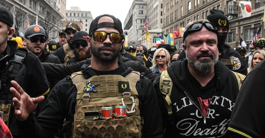 Enrique Tarrio, Thousands raise funds for Proud Boys leader using Christian Crowdfunding site