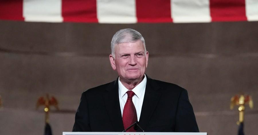 Franklin Graham, Graham urges Christians to give Biden a chance