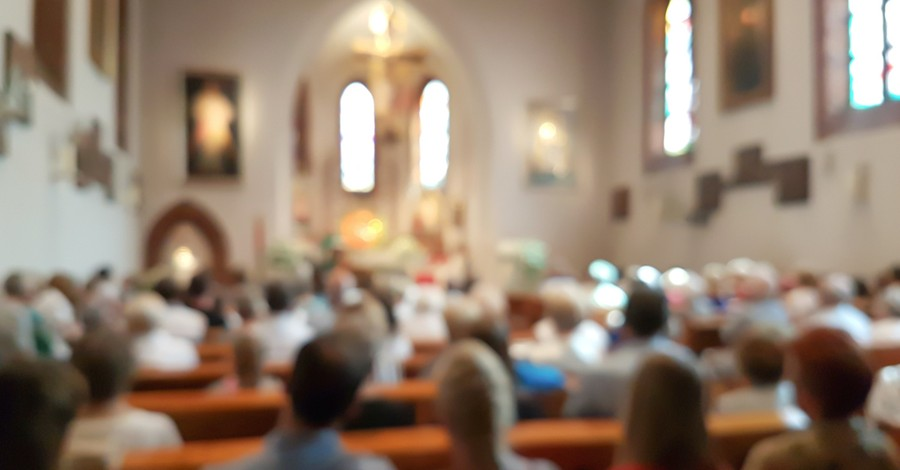 people sitting inside church facing the front, what is nicene creed