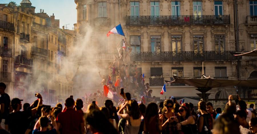 French Revolution, French postmodernism