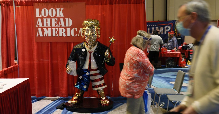 Gold Trump statue, Gold statue of Trump leaves people asking if it is art or idol worship