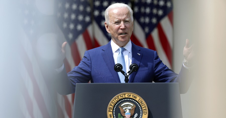 Joe Biden, Biden issues six executive orders on gun control