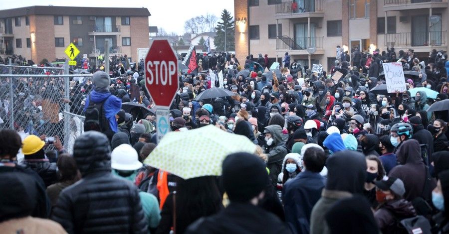 Protest in Minnesota, Protestors take to the streets following death of a young Black man