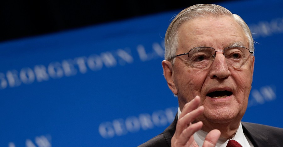 Walter Mondale, Mondale passes away at 93