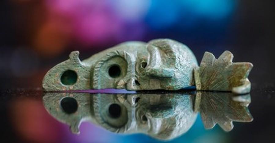 Rare ancient oil lamp, IAA unearths a rare oil lamp in Israel