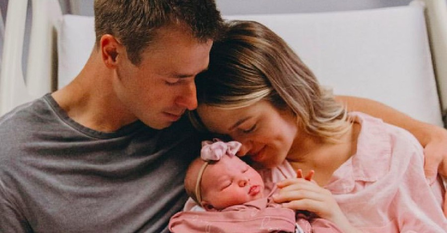 Sadie Robertson Huff and her husband holding their new baby, Robertson Huff gives birth to new baby girl