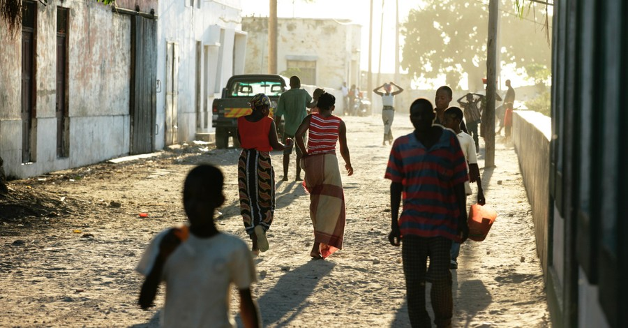 People on the streets of Mozambique, Missionary shares how God is moving in Mozambique amid threats of terror