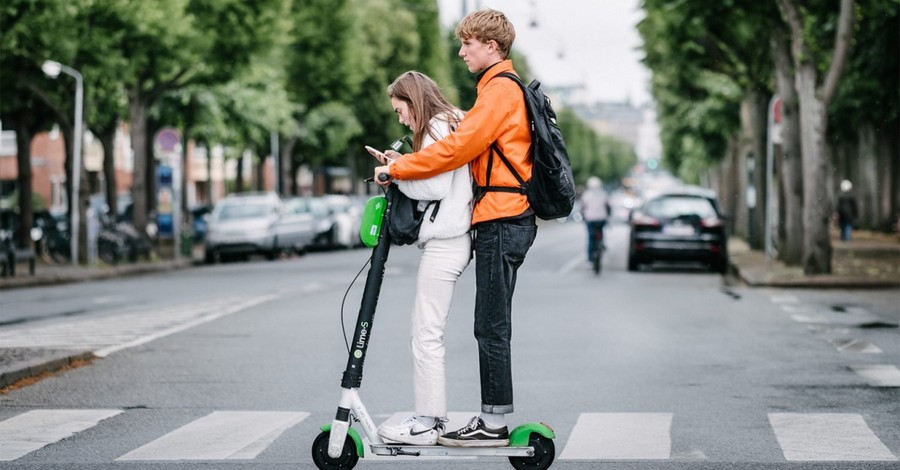 Teens on a scooter, Gen Z lost touch with faith communities during the pandemic but kept the faith