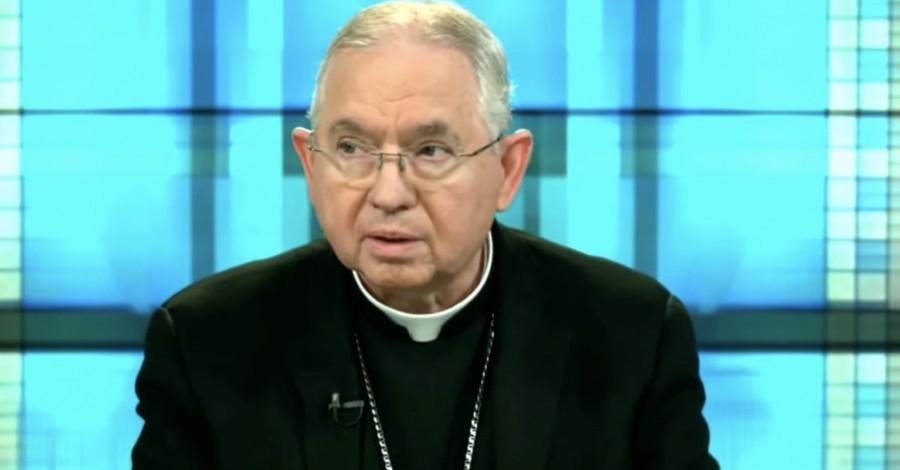 U.S. Conference of Catholic Bishops President Jose Gomez, Bishops vote to draft communion document