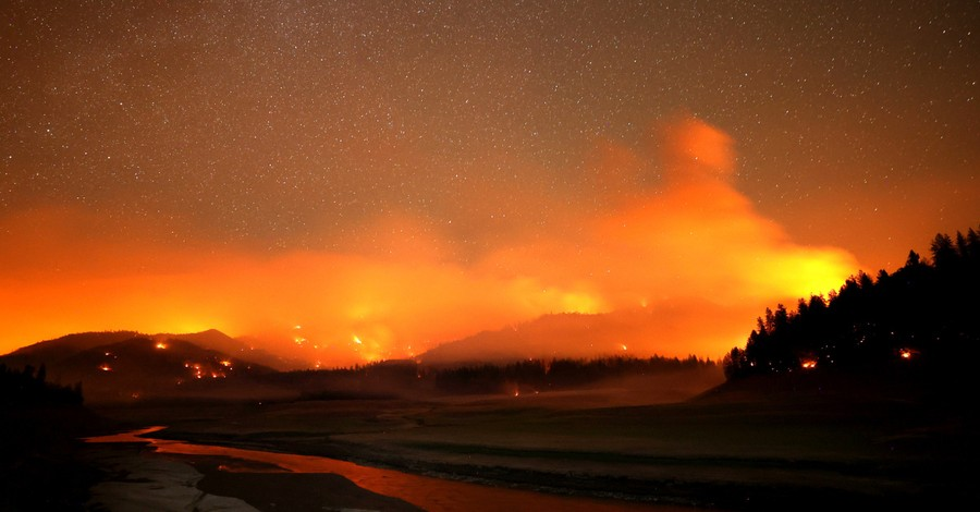 Large Wildfires Burn Through the US West - Christian News