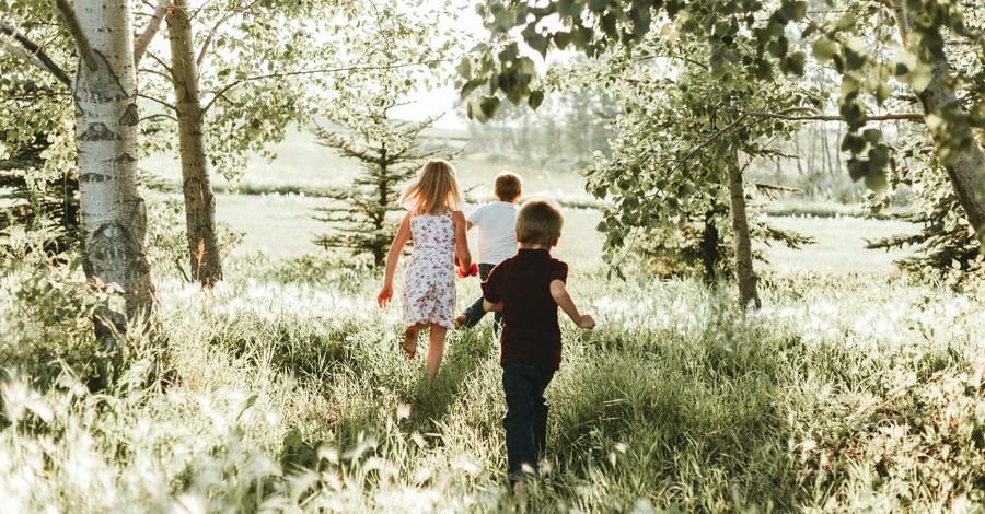 kids in a field, kids rights