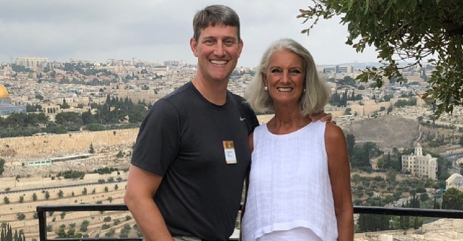 Anne Graham Lotz and her son Johnathan, Lotz asks for prayers for her son