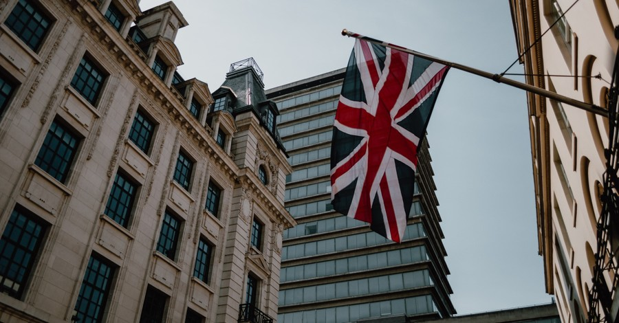 Union Jack, UK street preacher is cleared of all charges