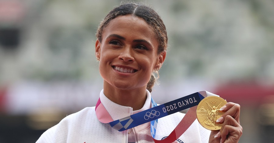 Sydney McLaughlin, McLaughlin gives the glory to God after taking home the gold in Tokyo