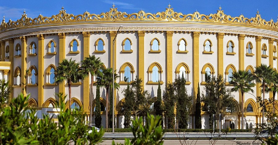 The holy land experience, Orlando's Holy Land Theme park is sold by TBN