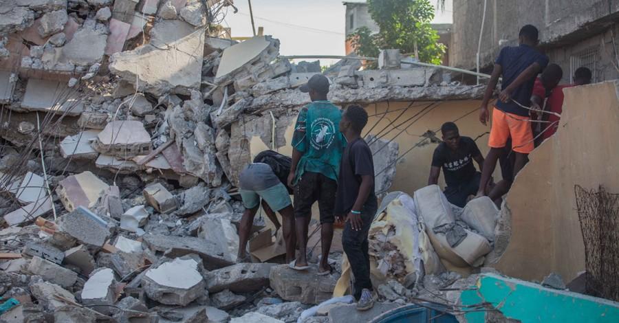 Haiti Earthquake, nearly 1300 dead following massive earthquake in Haiti