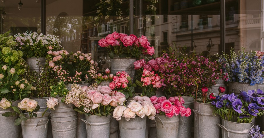 a flower shop, Barronelle Stutzman testifies that God's promises can be trusted