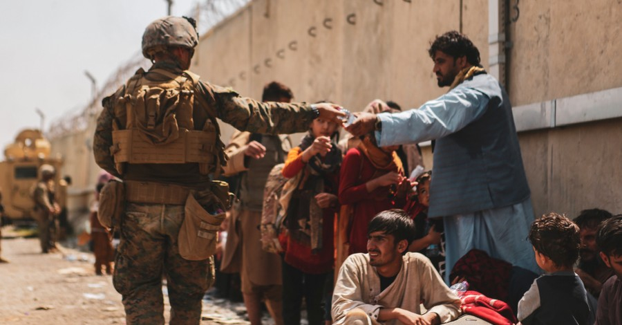 American troops aiding in evacuations, Glenn Beck raises $30 million to rescue Afghan Christians