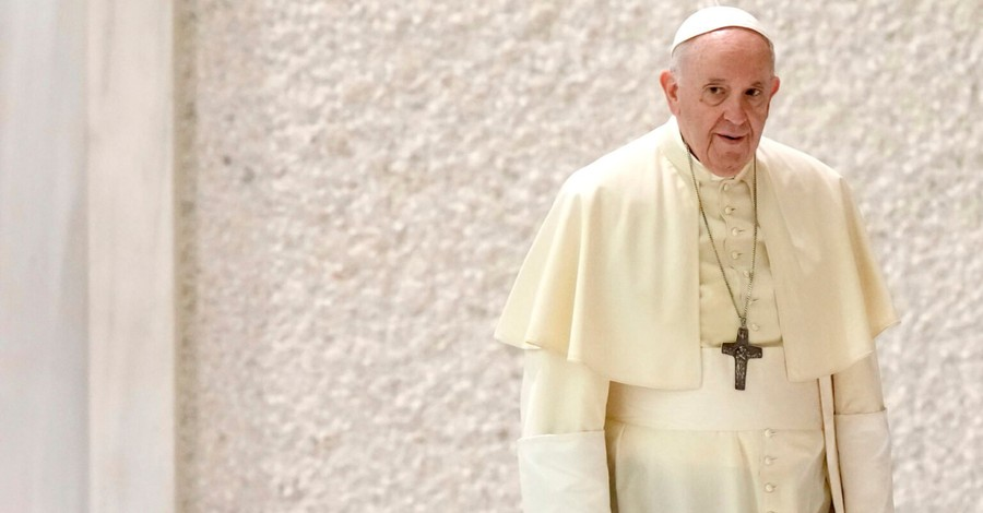 Pope Francis, Francis says he is not resigning