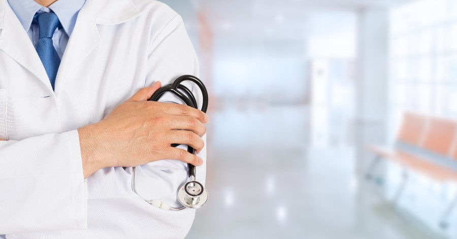 A doctor holding a stethoscope, Doctor admits to performing an abortion after Texas heartbeat law went into effect
