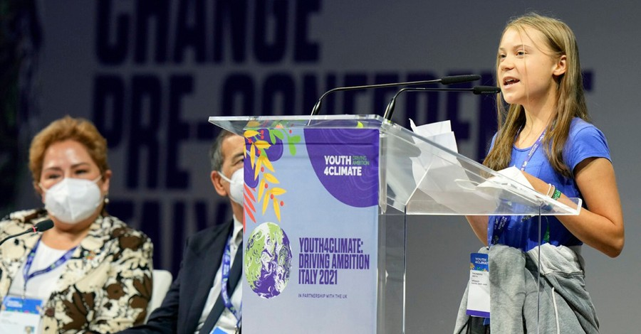 Greta Thunberg at a Climate Change conference, Pope Francis encourages young climate change activists to build a dialogue