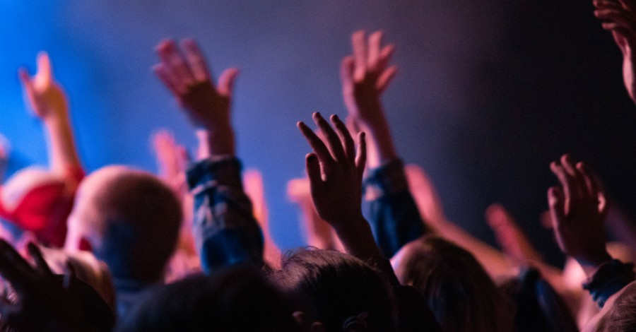 California Megachurch Fires Worship Director for 'Inappropriate Behavior Online'
