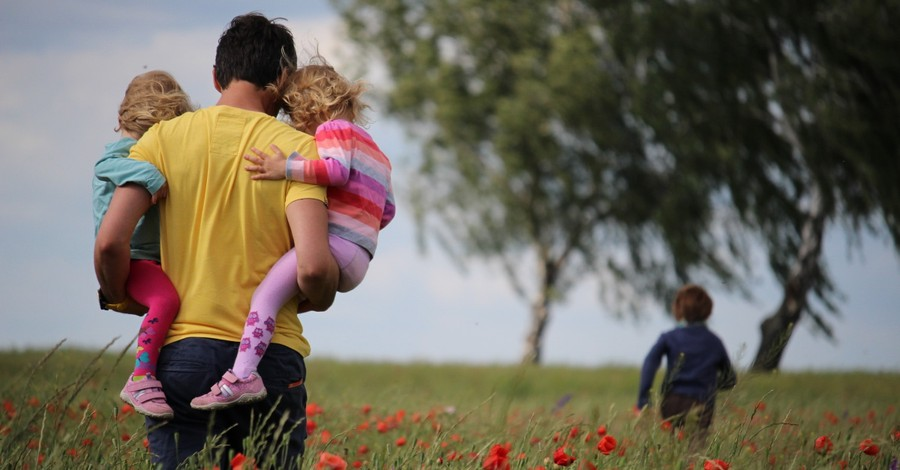 'A National Tragedy' – U.S. Leads World in Single-Parent Homes, Pew Finds