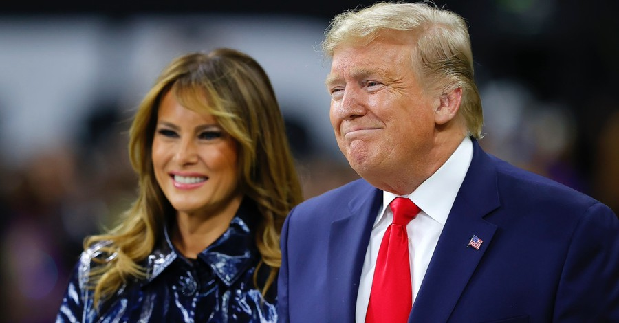 President Trump, First Lady Receive Warm Welcome at College Football Playoff National Championship Game