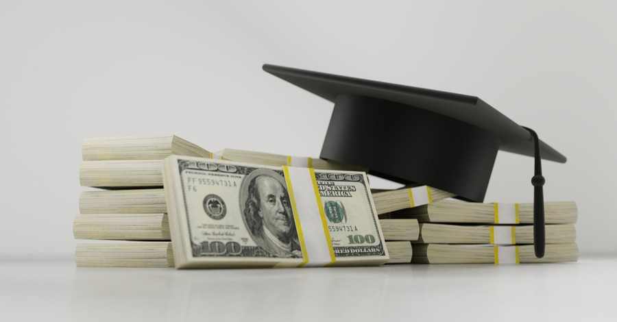 Millions of College Students Seek 'Sugar Daddies' to Pay Off Student Loan Debt