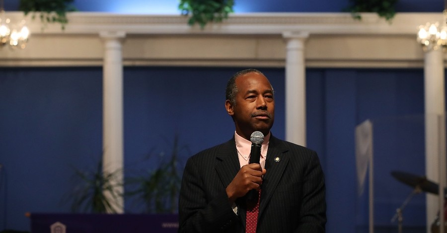 Ben Carson Diagnosed with COVID-19 but 'Is in Good Spirits'