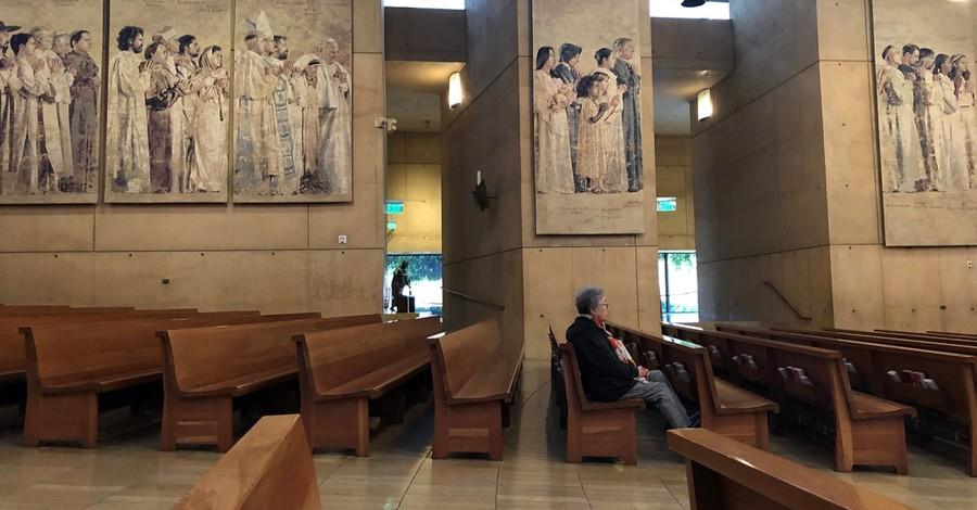 'Prayer in the Time of Coronavirus': LA Parishioners Worship in Mostly Empty Pews