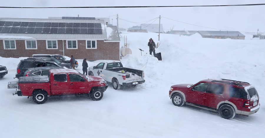 Snowstorm Didn't Stop This Alaska Church from Hosting Drive-In Worship Service