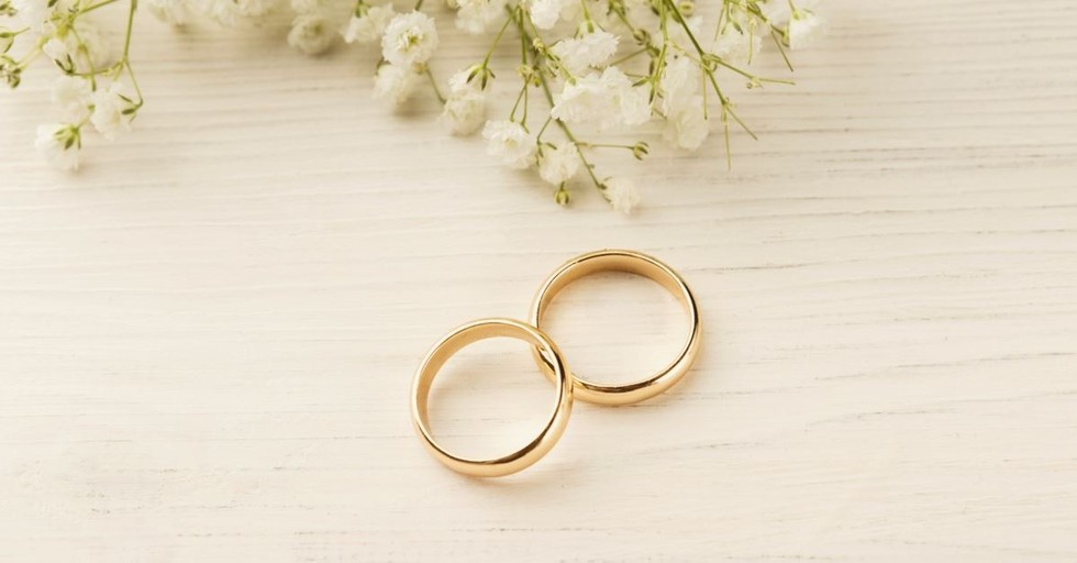 10 Reasons You Don't Need a 'Ring by Spring'