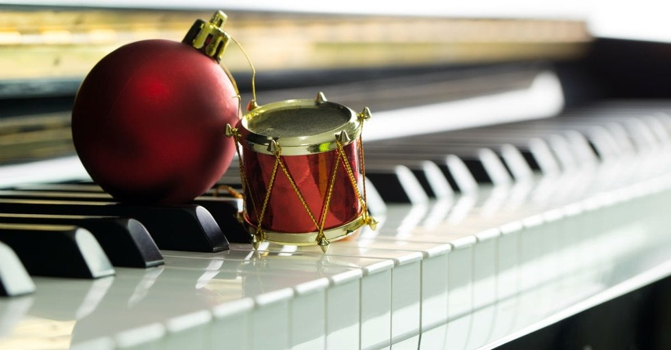 10 New Christmas Songs as Good as the Classics