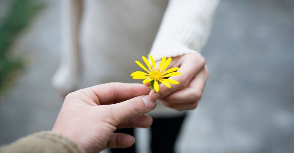 9 Inspiring Reasons to Serve Others When Illness Makes it Difficult
