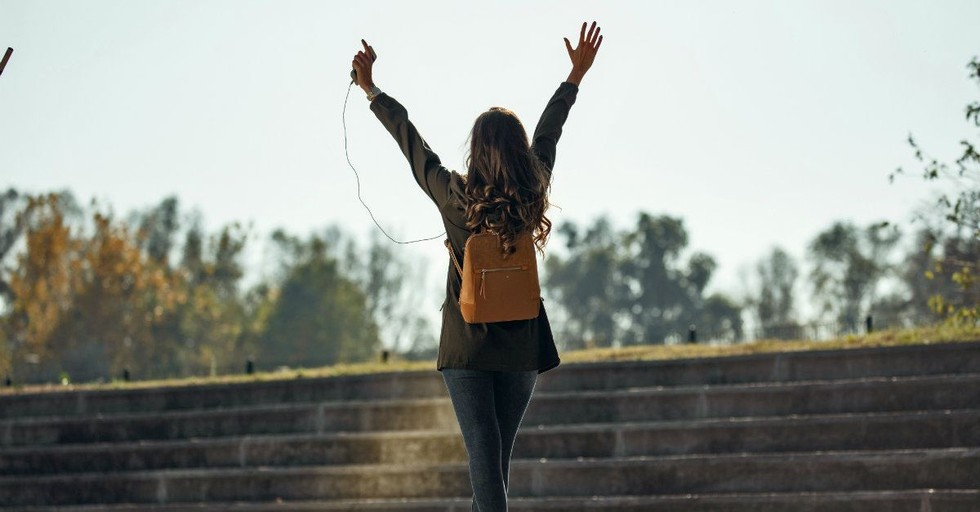 15 Theologically Rich Songs We Can Offer Up in Praise