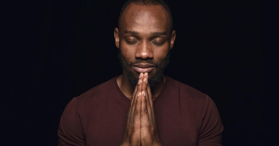 4 Social Media Pitfalls and 4 Prayers to Overcome Them