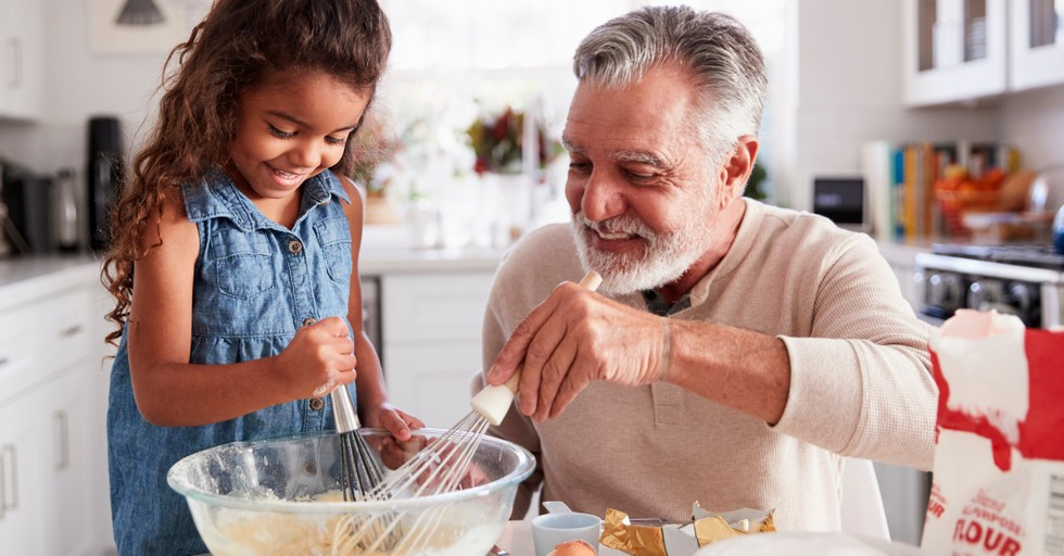 5 Ways to Be an Involved Grandparent without Overstepping