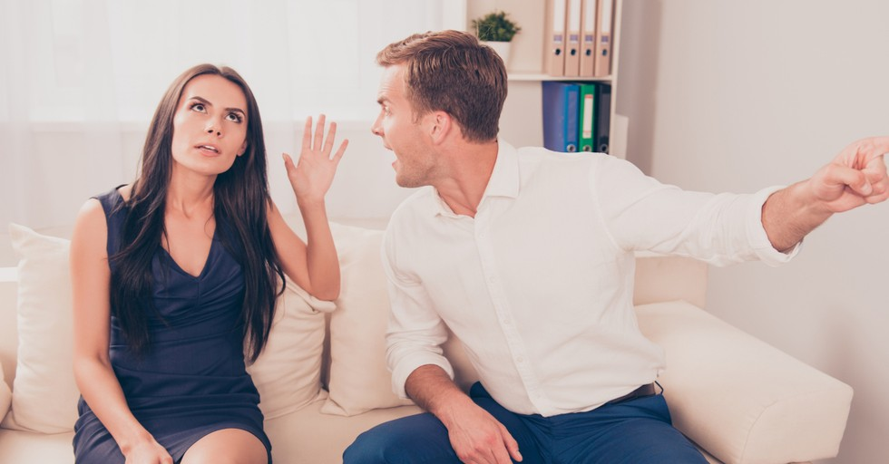 5 Signs a Relationship Might Be Toxic