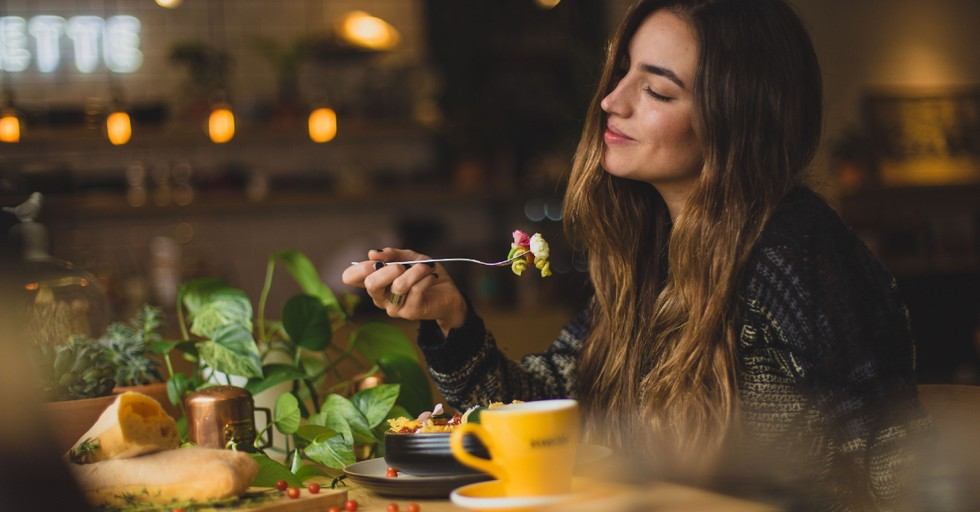 What Is Intuitive Eating and What Does it Reflect about God?