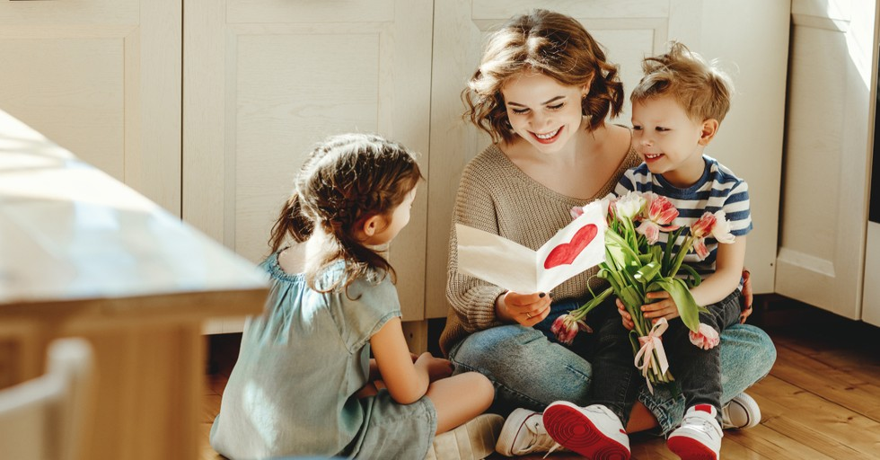 10 Amazing Things about Moms in the Bible That Are Worth Celebrating