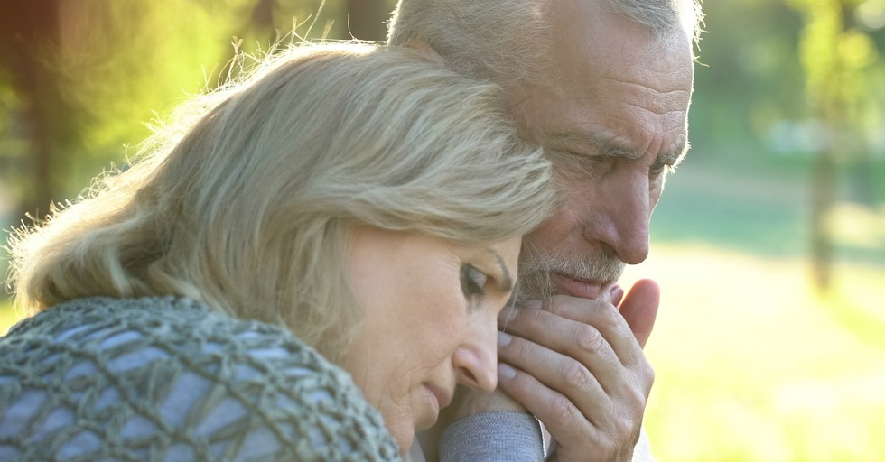 How to Help Your Spouse Grieve