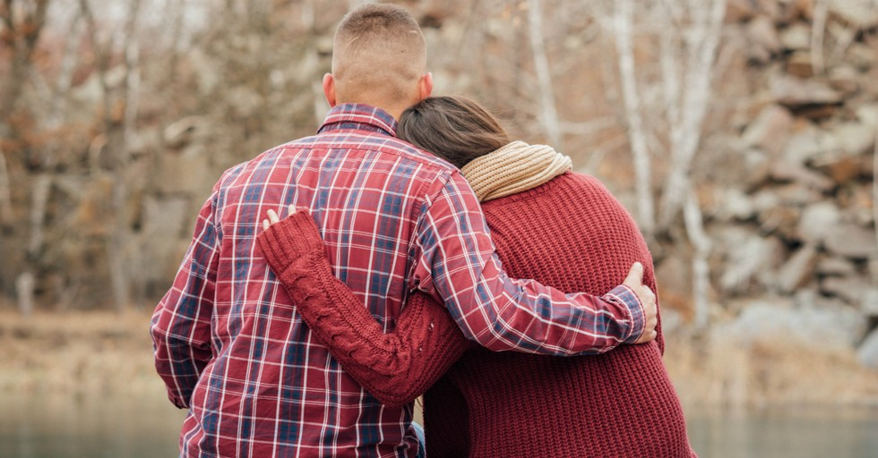 10 Things Every Husband Should Be Doing for His Wife